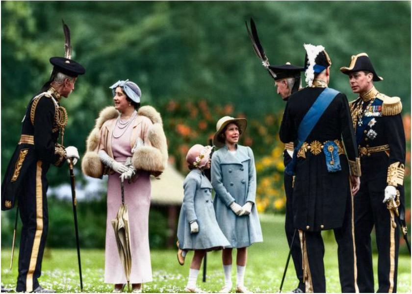 Princesse Elizabeth, George VI, Queen Mum et princesse Margaret