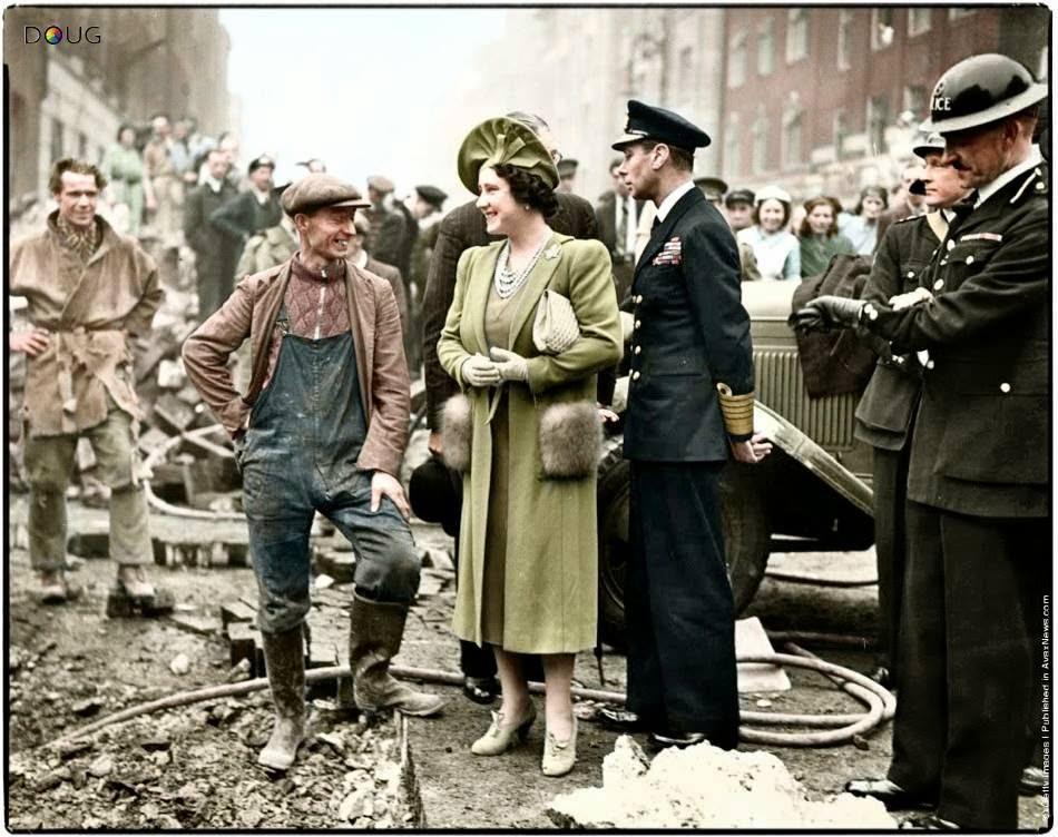 George VI et Elizabeth Bowes Lyon durant le Blitz