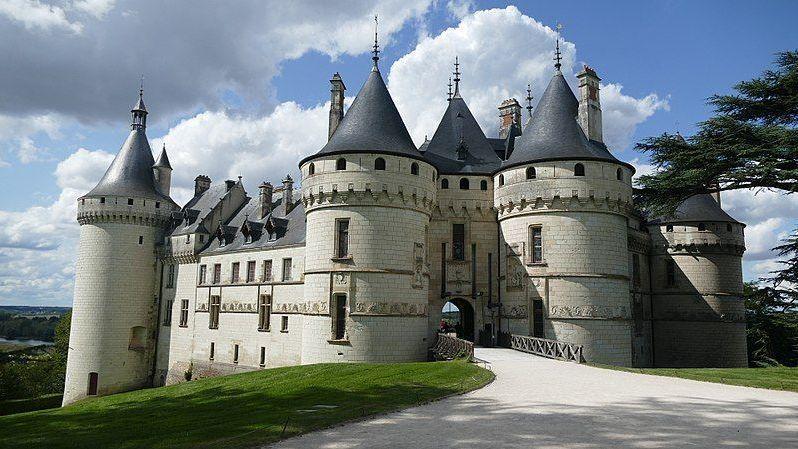 870x489 870x489 800px chateau de chaumont sur loire entree principale 01