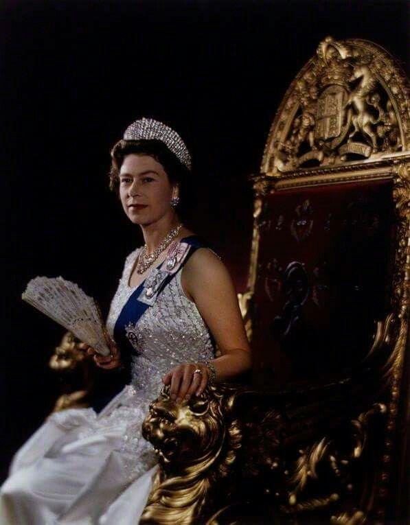 C0a775d3d6504942936961855816bf51 british royal families queen elizabeth ii