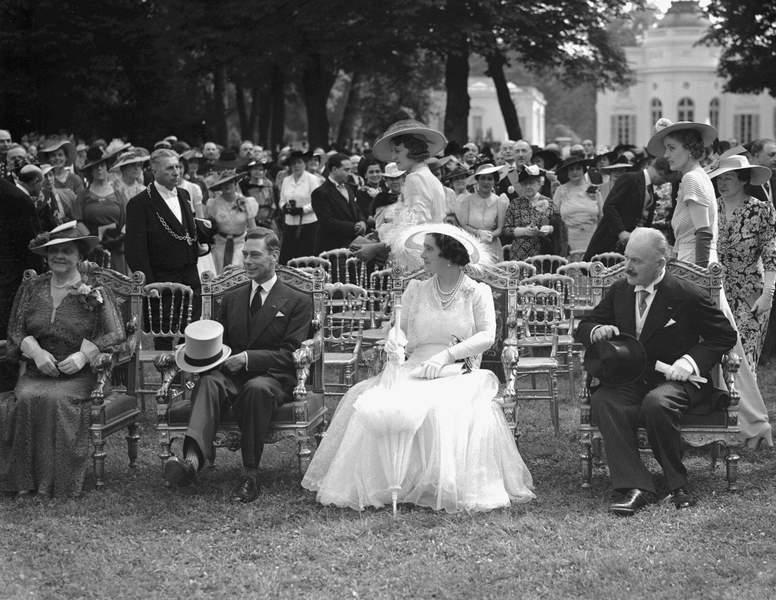 Invites par albert lebrun en 1938 le roi george vi et la reine elisabeth ont profite du jardin de bagatelle