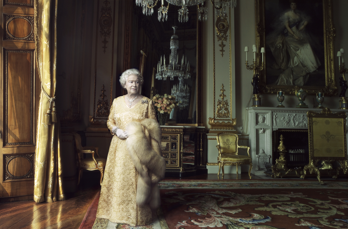 Queen elizabeth ii by annie leibovitz 02 big