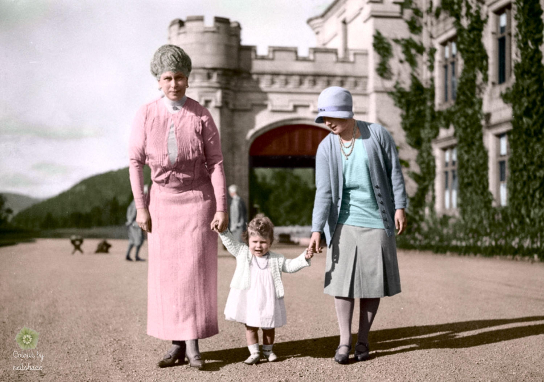 La reine Mary de Teck, la princesse Elizabeth et Elizabeth Bowes Lyon