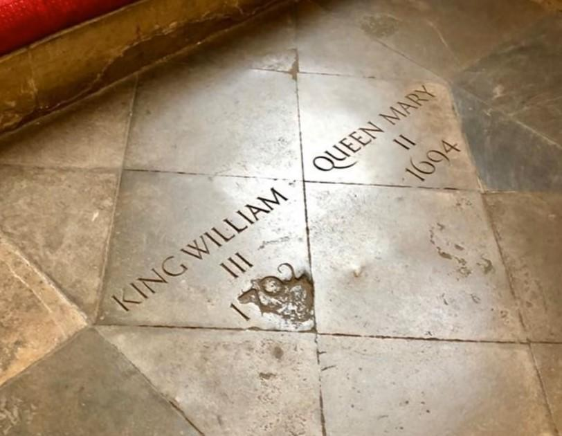 Tomb of king william iii and queen mary ii
